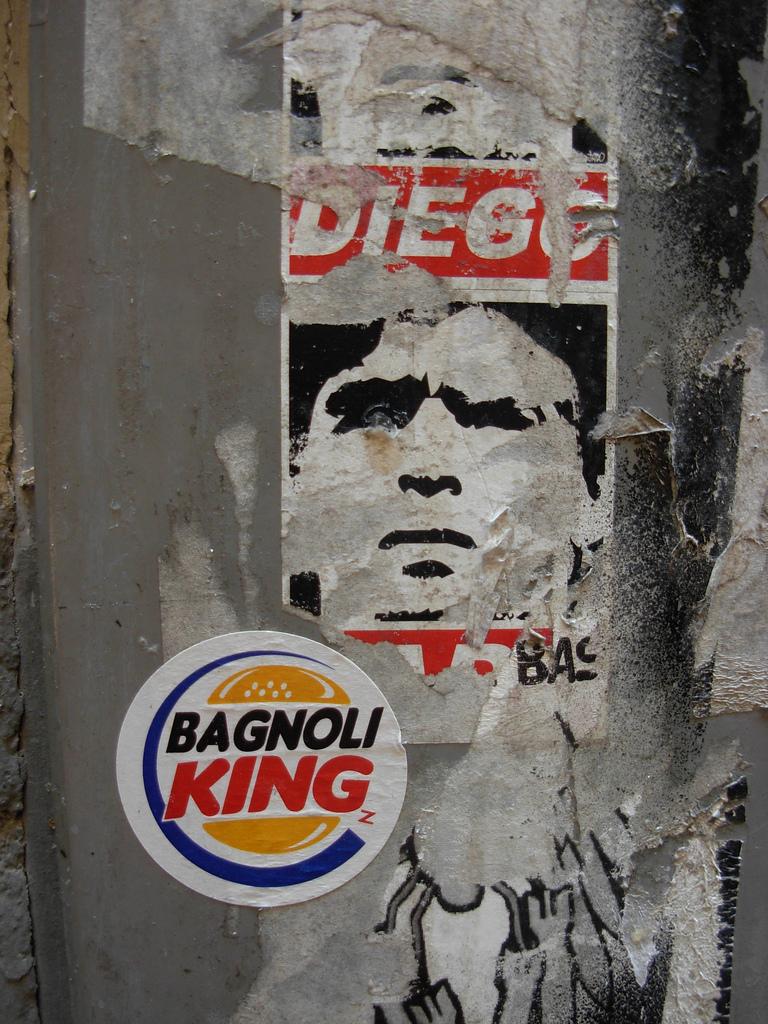 Foto di Maradona e sticker Bagnoli King