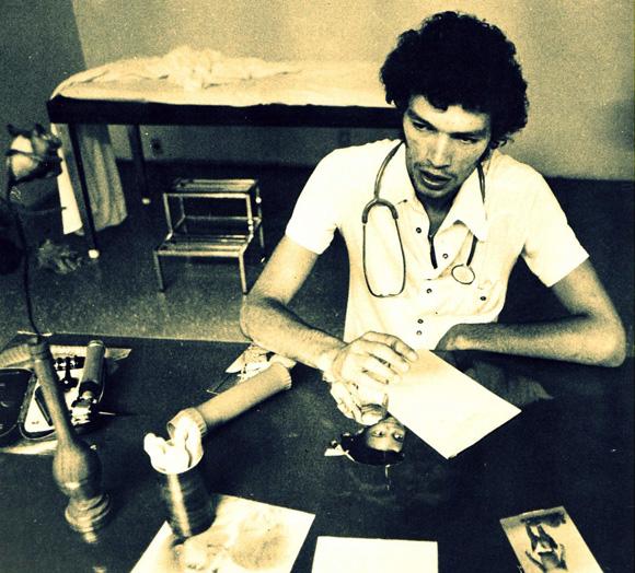 foto di Sócrates negli abiti del Doutor