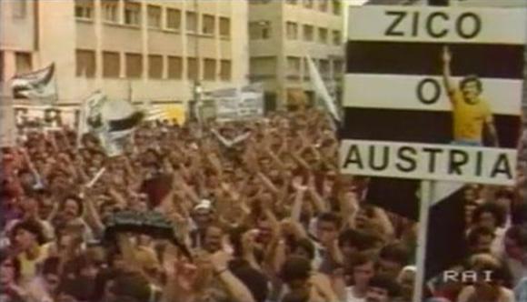 Manifestazione per Zico contro il veto della Federcalcio