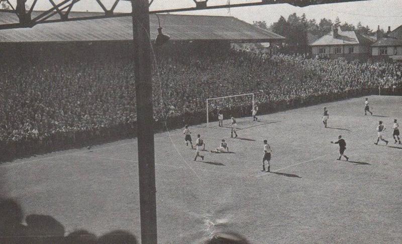 1957 - Contro gli Spurs