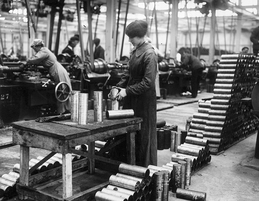 1915 - Munitionette making shell cases in a Vickers factory