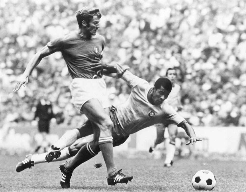 Giacinto Facchetti e Jarzinho nella finale del 1970