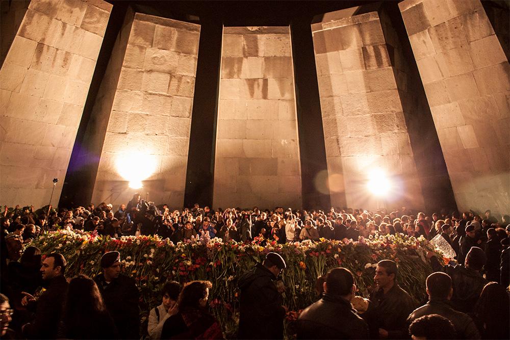 Commemorazione al memoriale di Tsitsernakaberd, 24 aprile 2015